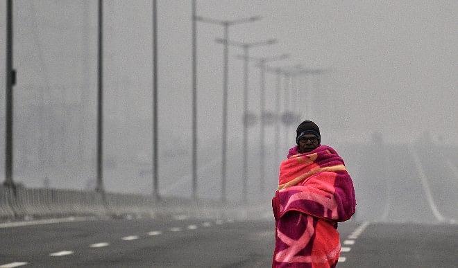 दिल्ली में सुबह छाया रहा हल्का कोहरा, न्यूनतम तापमान 11.8 डिग्री सेल्सियस दर्ज किया गया