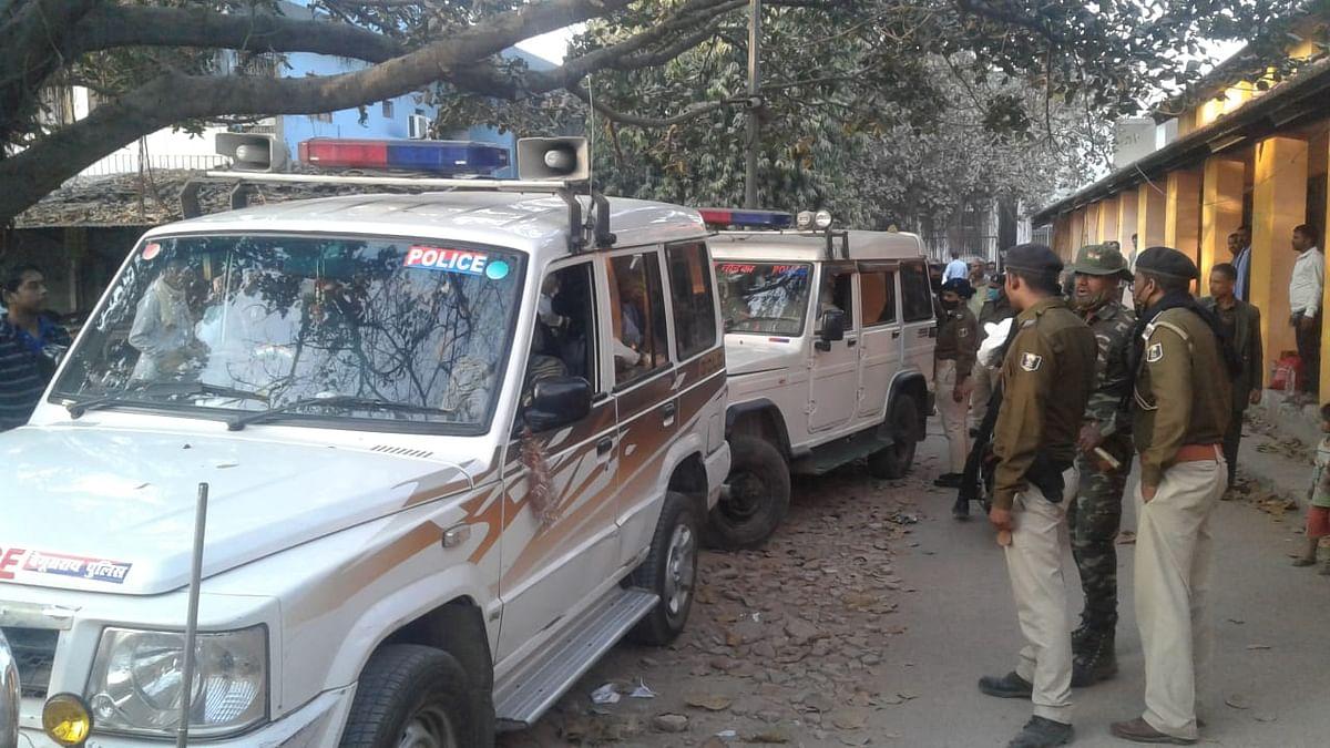 पुलिस पर हमला करने के मामले में नौ महिला समेत 22 गिरफ्तार
