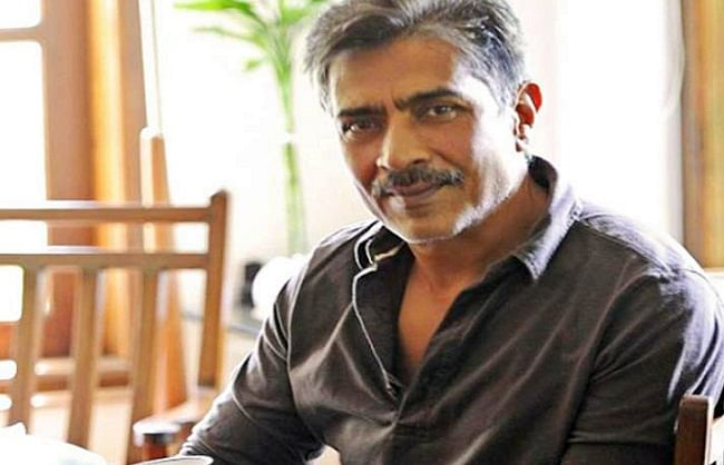 birthday-special-27-february-prakash-jha-is-famous-for-making-films-on-social-issues