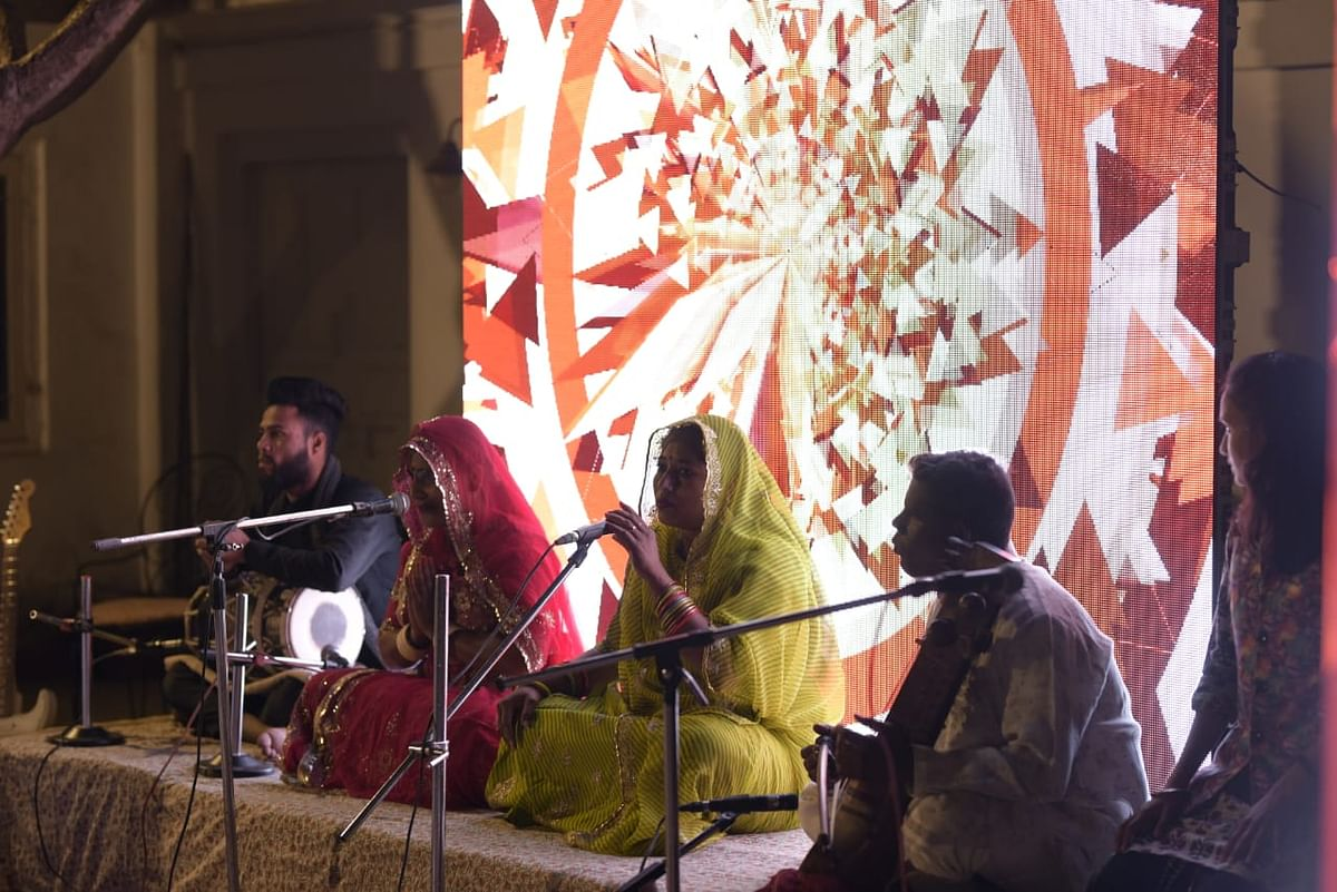 लोक कलाकारों ने राजस्थानी धुनों के अनूठे संगम से बांधा समां