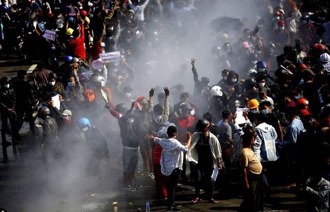 म्यांमार में प्रदर्शनकारियों पर फायरिंग एवं तख्तापलट के खिलाफ यूएन में आवाज उठाने वाले राजदूत बर्खास्त