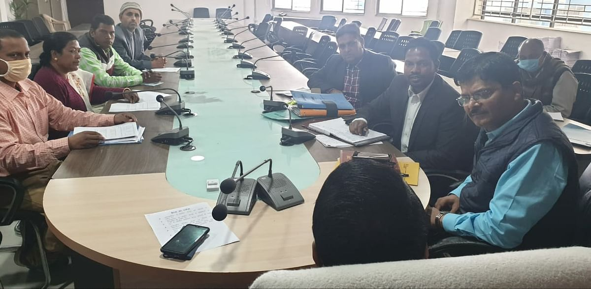 meeting-held-to-open-closed-day-boarding-centers-in-palamu