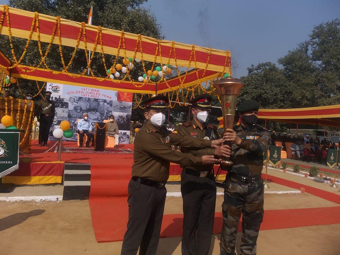 अमर शहीदों की याद में दिल्ली से निकली विजय ज्योति यात्रा का गोंडा में जोरदार स्वागत