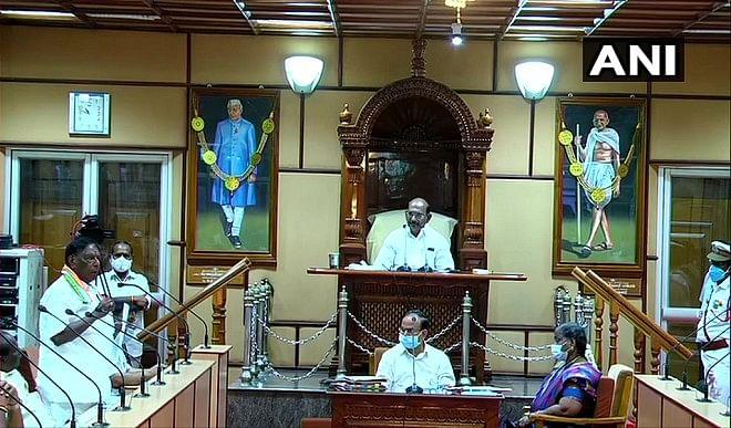 पुडुचेरी में गिरी कांग्रेस की सरकार, विधानसभा में नारायणसामी साबित नहीं कर पाए बहुमत