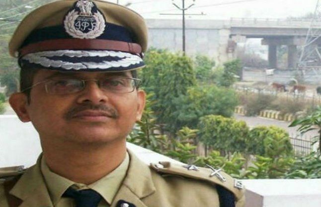 up-ips-officer-amitabh-thakur-refuses-to-get-kovid-19-vaccination