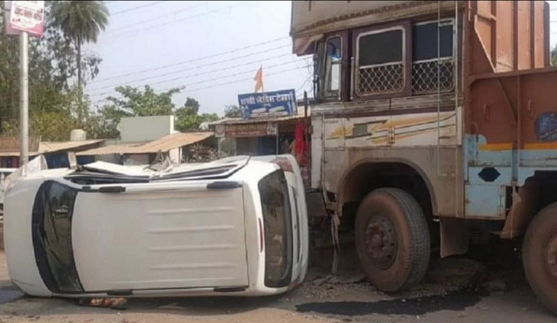 kanker-three-injured-in-a-truck-car-collision