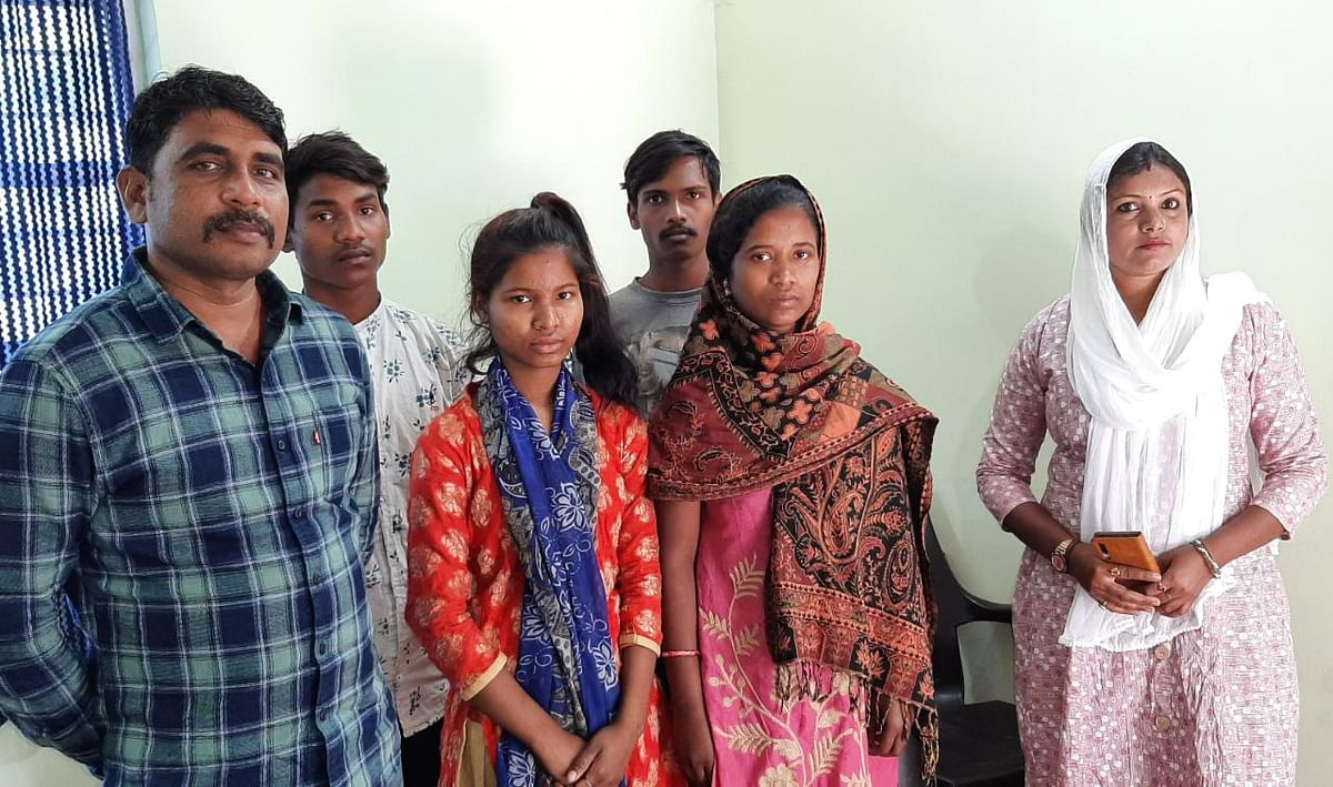 उत्तर  प्रदेश के बलिया में बंधुआ मजदूर बने तोरपा के चार लोगों को पुलिस ने कराया मुक्त