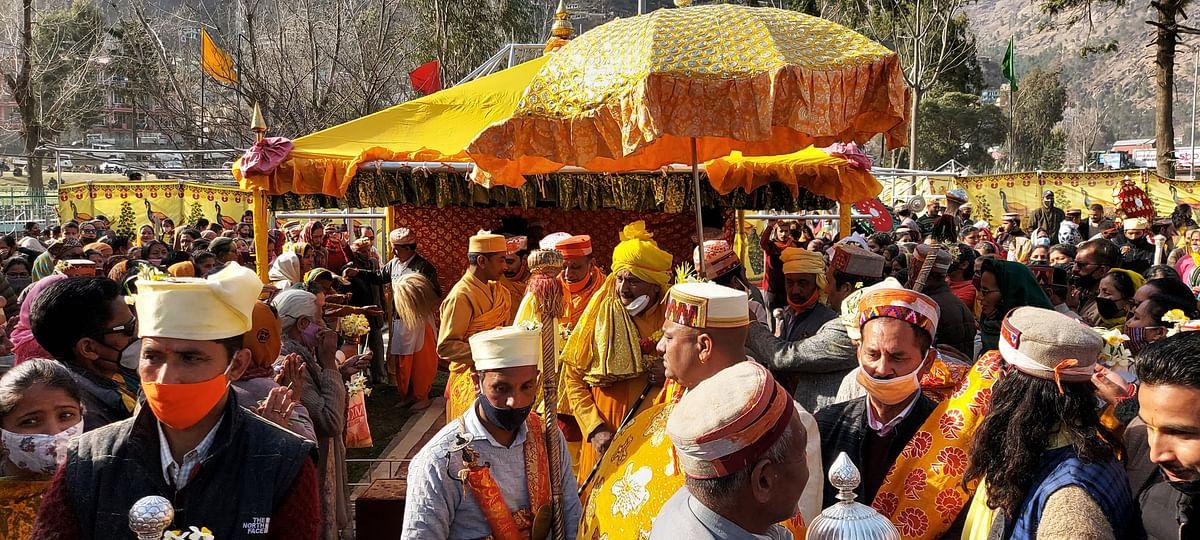 कुल्लू में बसन्त पंचमी की धूम, भगवान रघुनाथ जी की शोभायात्रा निकाली