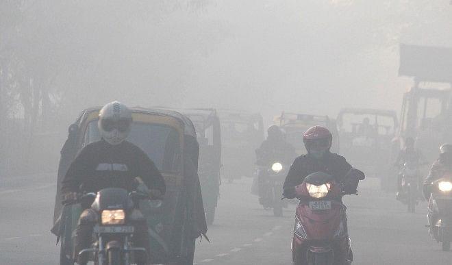 दिल्ली की वायु गुणवत्ता बहुत खराब, बढ़ सकता है राजधानी का तापमान
