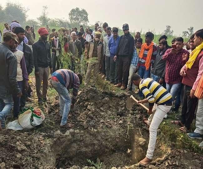 उन्नाव प्रकरण: कमिश्नर और आईजी की निगरानी में हुआ बुआ-भतीजी का अंतिम संस्कार
