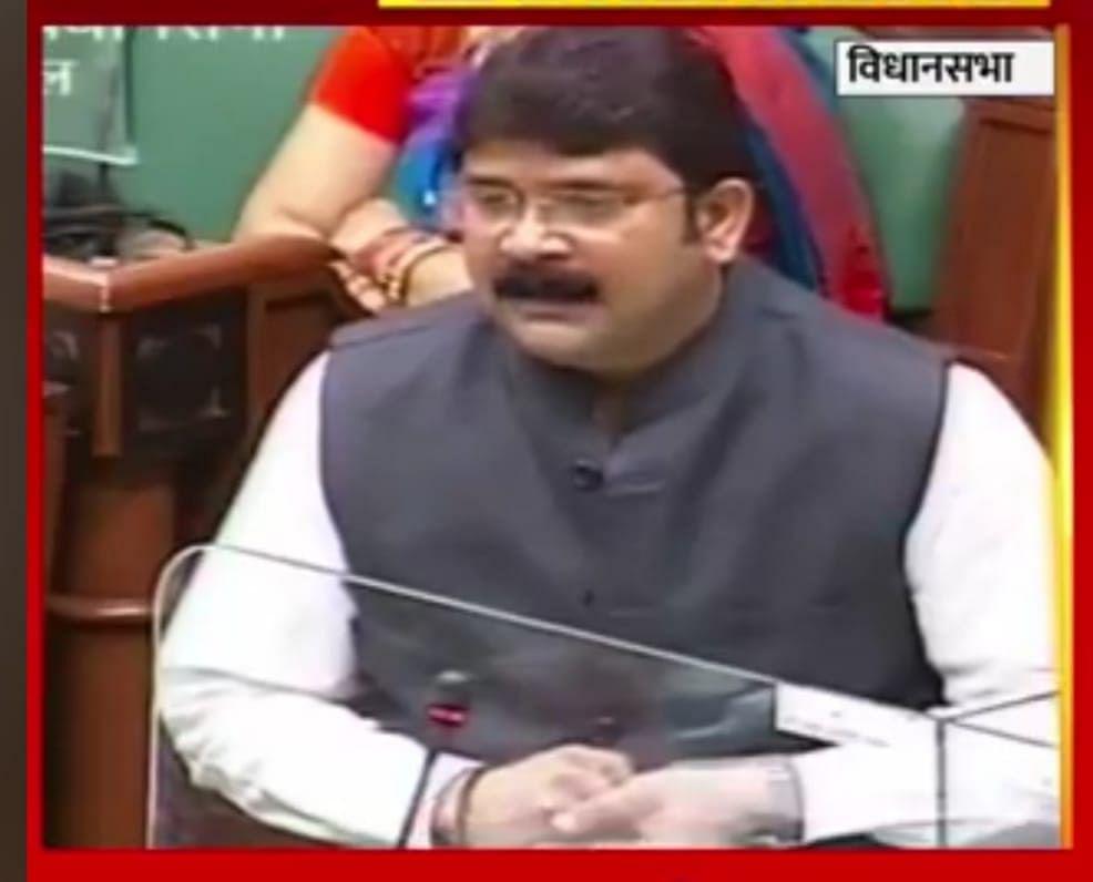 raigad-legislator-prakash-naik-raised-questions-in-the-legislative-assembly-regarding-vacant-posts-of-health-department