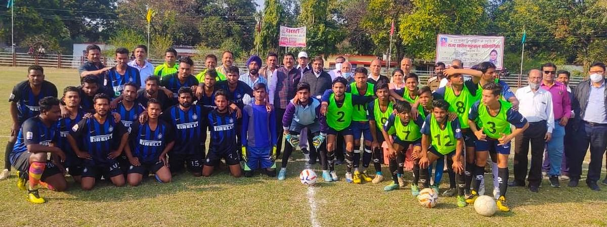 self-rajesh-nandni-smriti-inaugurates-state-level-football-competition