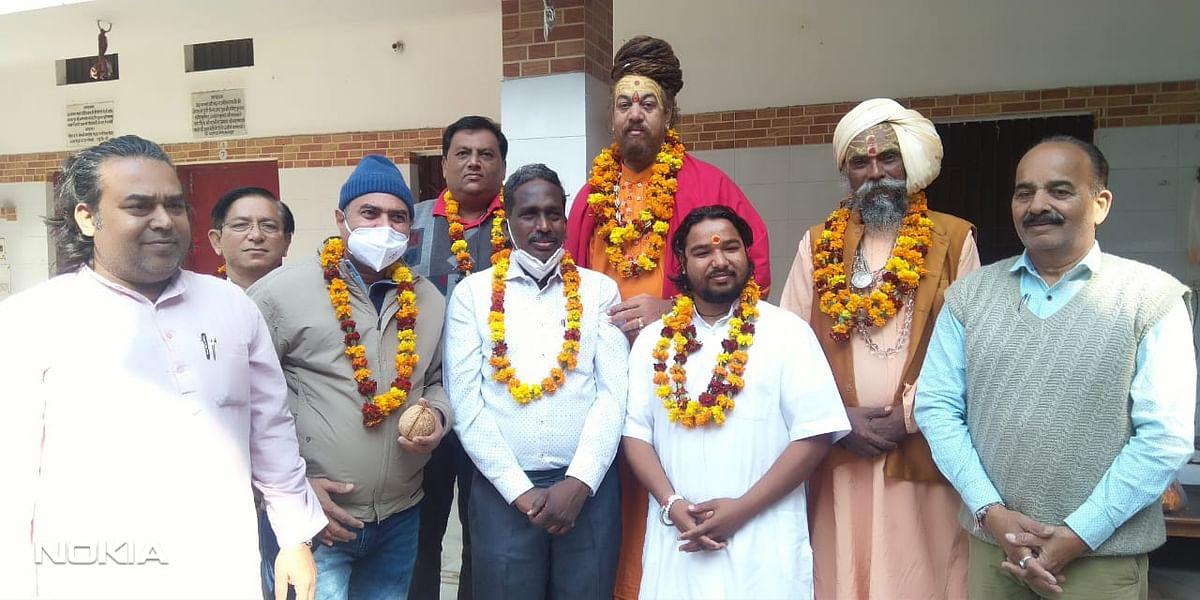गुजरात के जिला सेशन जज का ऋषिकेश पहुंचने पर जोरदार स्वागत