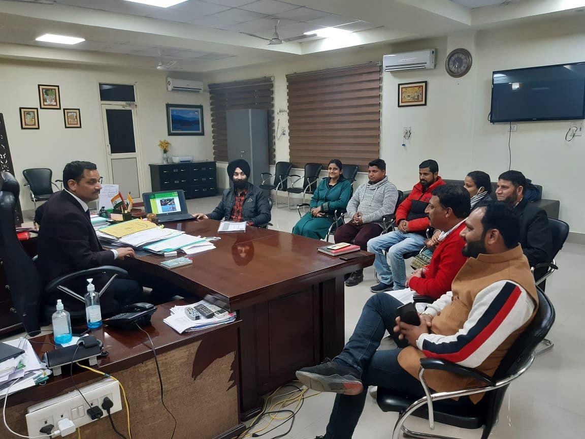 चाइल्डलाइन कठुआ के वार्षिक कार्यों पर समीक्षा बैठक की