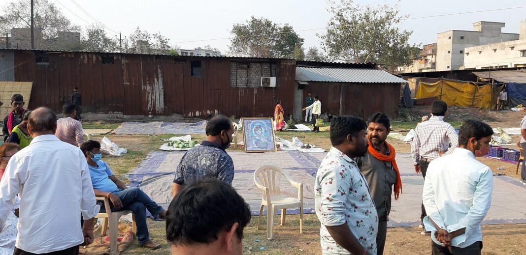रायगढ़ : नगर निगम का तुगलकी फ़रमान, हुए सब्जी विक्रेता परेशान