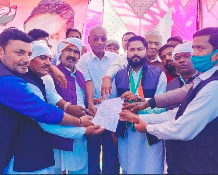 किसान आंदोलन के समर्थन में सड़क किया जाम, ट्रैक्टर रैली निकाल जताया विरोध