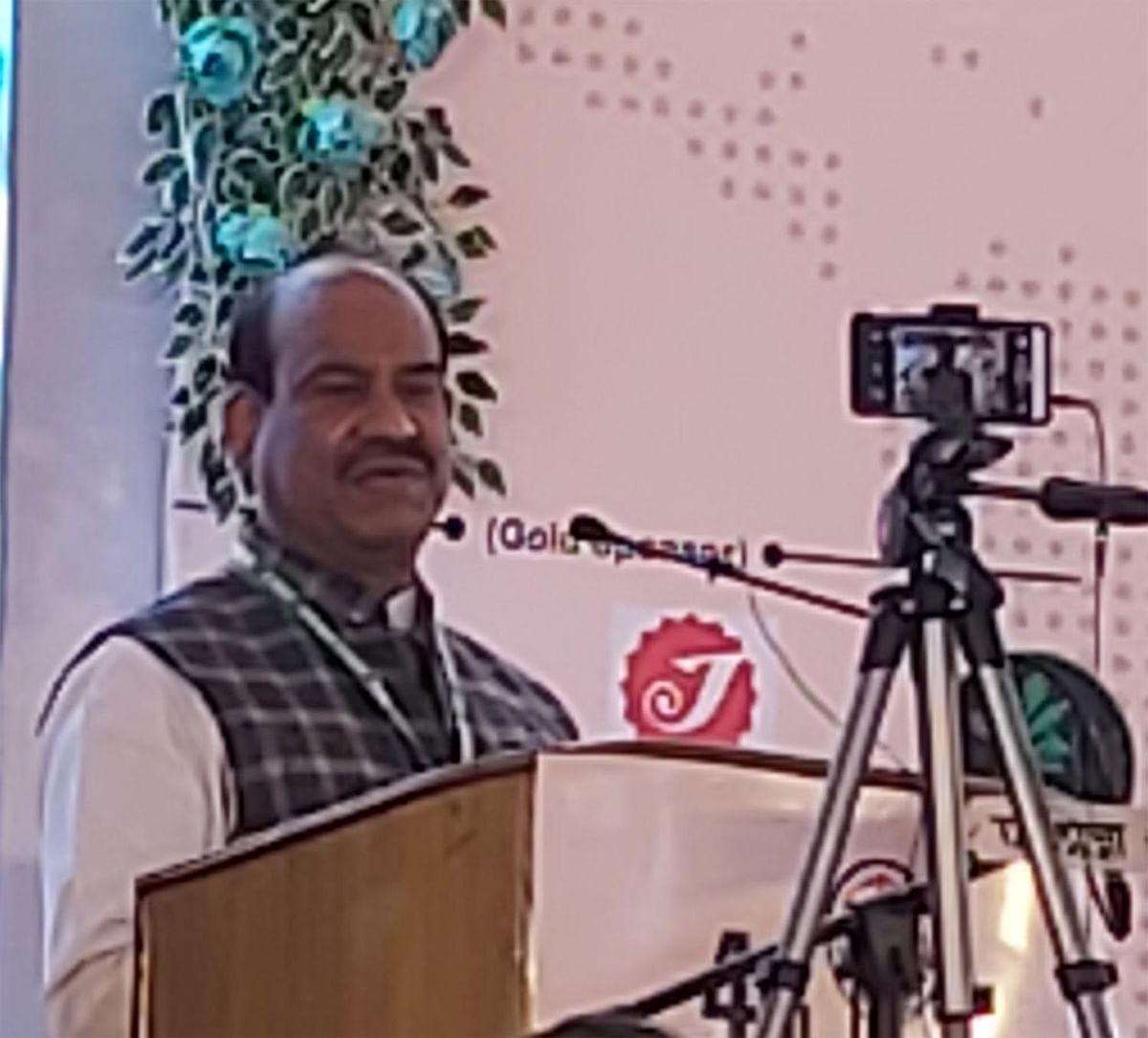 कृषि का रकबा बढ़ाने के लिये नई तकनीक का प्रयोग करें: ओम बिरला