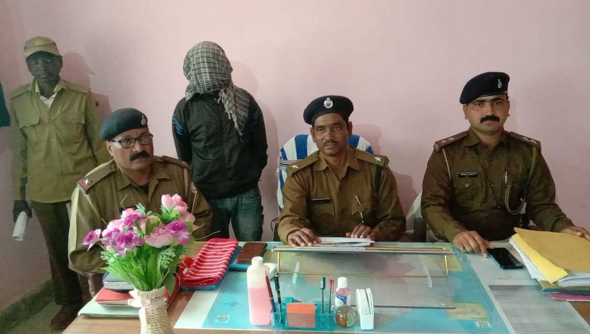 लोहरदगा में भाकपा माओवादी रविंद्र गंझू के दस्ते का सदस्य गिरफ्तार