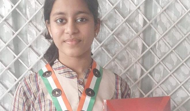 दिल्ली-की-8वीं-कक्षा-की-छात्रा-ने-योग-कर-दर्ज-कराया-इंडिया-बुक-ऑफ-रिकॉर्ड-में-नाम