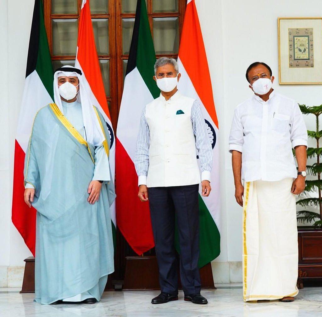 विदेश मंत्री ने की कुवैत के समकक्षी से द्विपक्षीय वार्ता