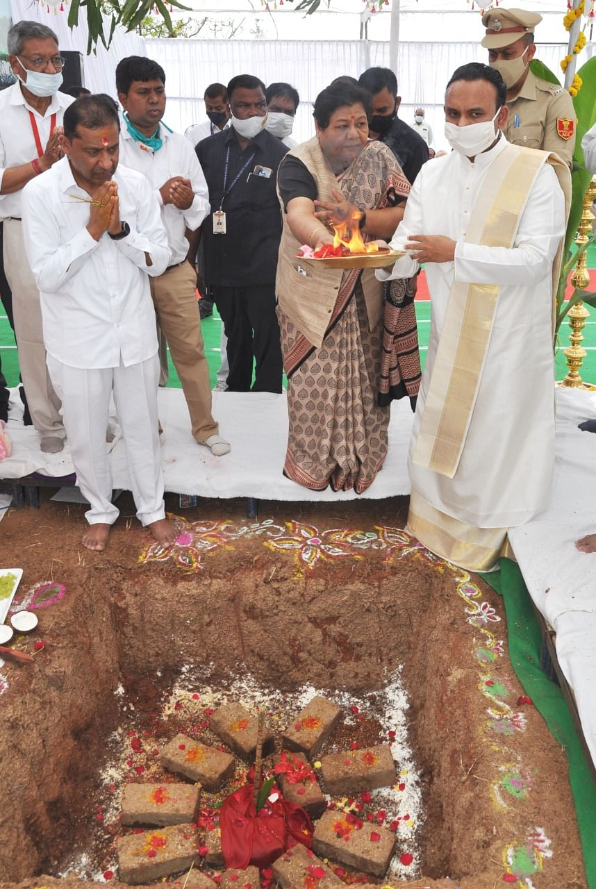 रायपुर : श्री सत्य साईं संजीवनी हॉस्पिटल मानवता की सच्ची सेवा कर रहा है : राज्यपाल उइके