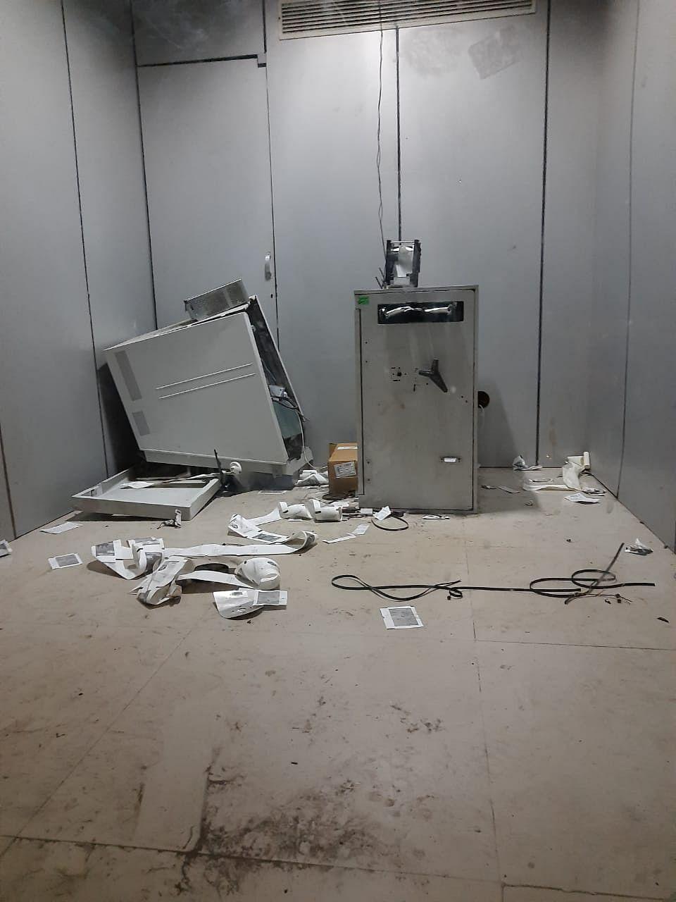 वसई में एटीएम तोड़ते हुए चोर गिरफ्तार