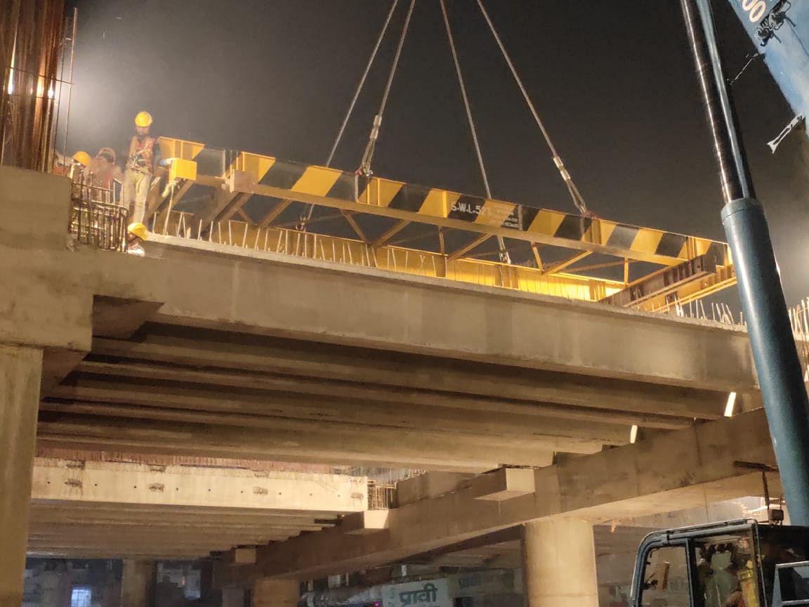 आईआईटी से मोतीझील के बीच सभी मेट्रो स्टेशनों का तैयार हुआ कॉनकोर्स का आधार