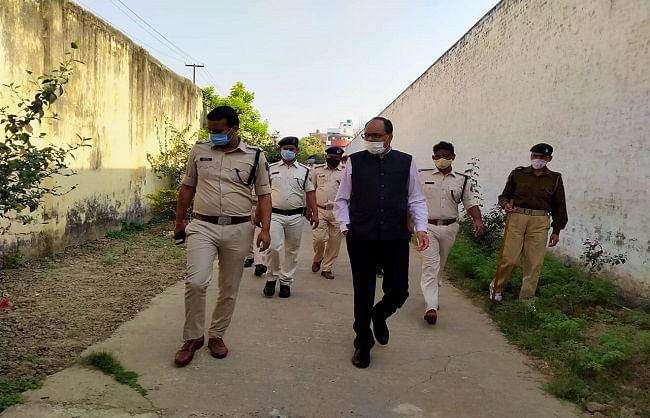 राजधानी पटना के बेउर जेल समेत राज्यभर के 59 जेलों में छापेमारी