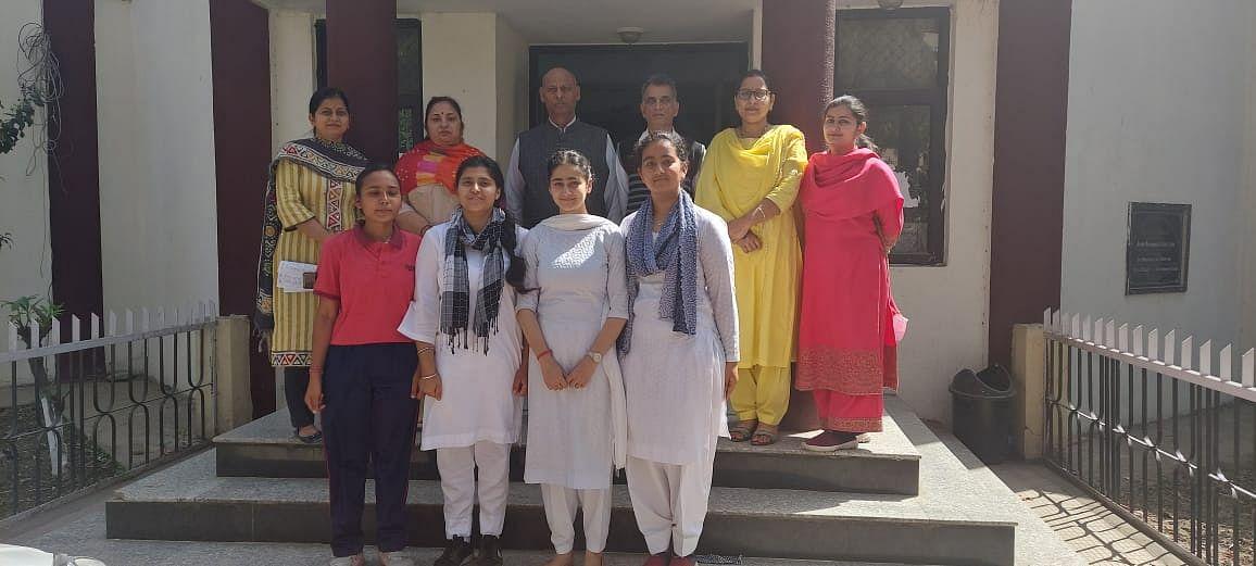 जीडीसी कठुआ में अंतर्राष्ट्रीय प्रसन्नता दिवस पर निबंध लेखन प्रतियोगिता का आयोजन किया गया