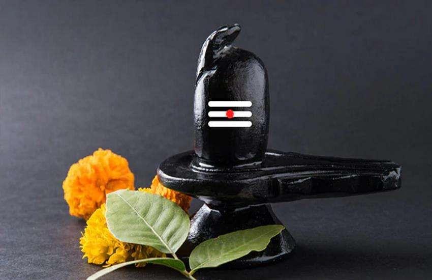 बेलपत्र/बिल्वपत्र चढ़ाने का मंत्र - Belpatra Mantra in Hindi