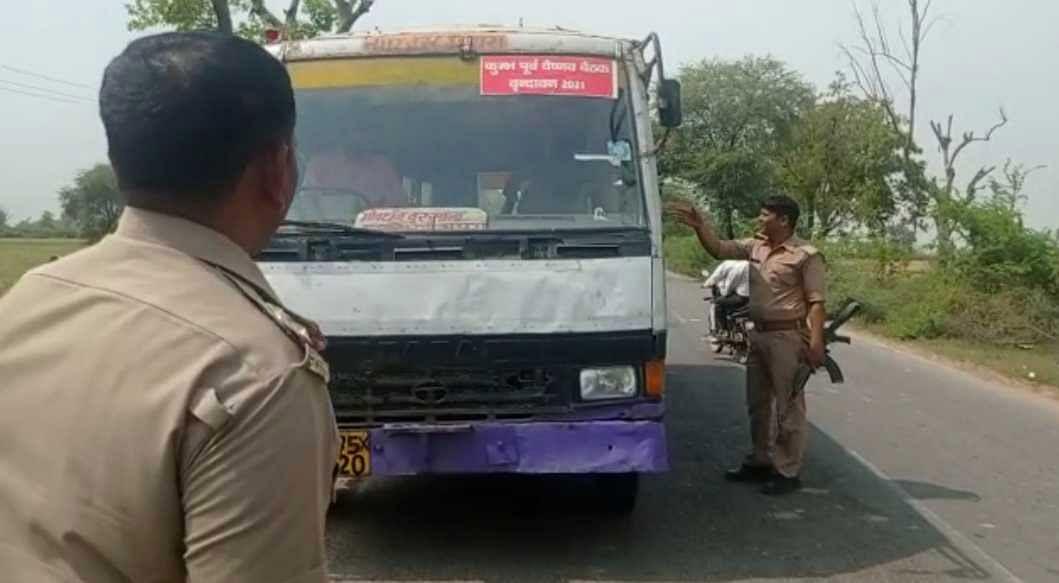 मथुरा : रोडवेज बस ने टैम्पो में मारी टक्कर, मध्य प्रदेश के श्रद्धालु की मौत, आधा दर्जन घायल