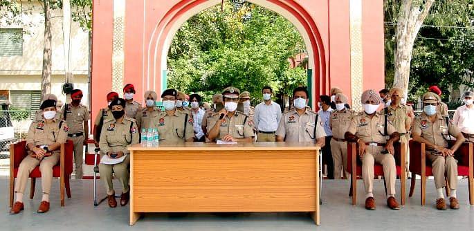 15-people-of-inter-state-drug-smuggler-gang-arrested-drug-worth-rs-54-crore-seized