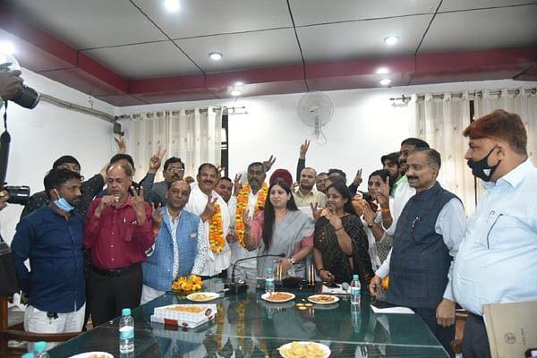 नगर निगम में भाजपा के अखिलेश बने निर्विरोध उपाध्यक्ष