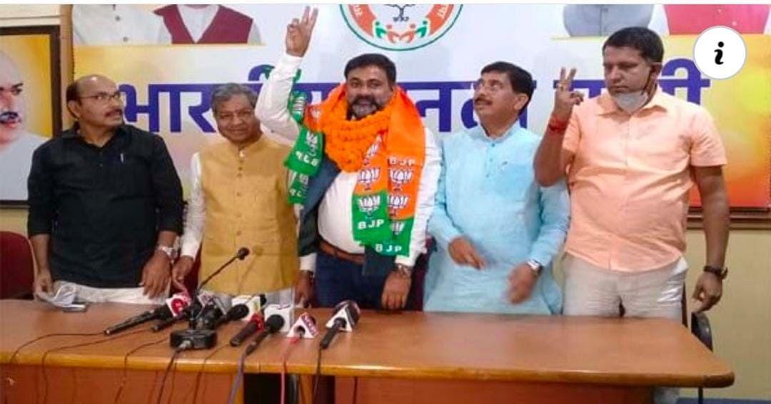 भाजपा में शामिल हुए आजसू के गंगा नारायण सिंह, मधुपुर से उपचुनाव लड़ने की अटकलें