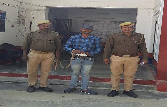 500 ग्राम चरस के साथ हिस्ट्रीशीटर गिरफ्तार, पुलिस ने भेजा जेल