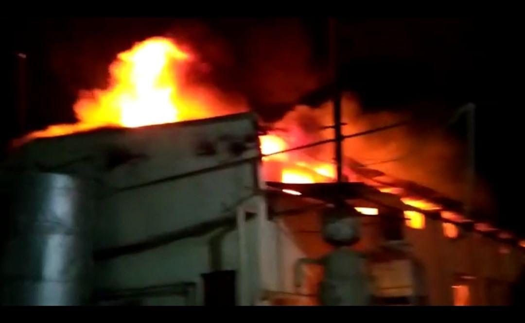 भिलाई नगर : साबुन फैक्ट्री में लगी आग, करोड़ों का सामान जलकर राख