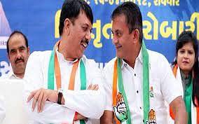 गुजरात निकाय चुनाव : करारी हार के बाद कांग्रेस प्रदेश अध्यक्ष व विपक्ष के नेता ने पद से दिया इस्तीफा