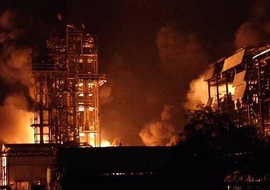 वडोदरा के शिवम पेट्रो केमिकल फैक्ट्री में भीषण आग, 6  लोग झुलसे