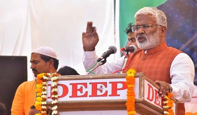 विपक्षी पार्टियां UP को लूटने के लिए बनाती हैं सरकार तो भाजपा गरीबों की सेवा के लिए: स्वतंत्र देव सिंह