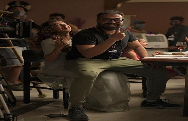 इनकम टैक्स की रेड के बाद अनुराग कश्यप और तापसी पन्नू ने शुरू की 'दोबारा' की शूटिंग