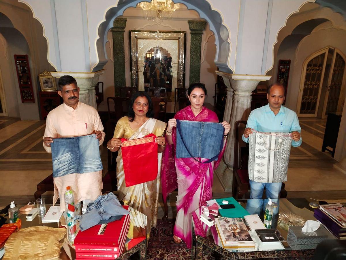 अपडेट...हरिद्वार में प्लास्टिक मुक्त महाकुंभ बनाने के लिए राजस्थान से भेजे जाएंगे कपड़े के 25 हजार थैले