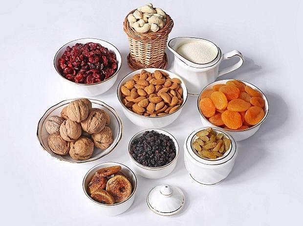 अगर आपका या आपके बच्चे का वजन नहीं बढ़ रहा है तो वजन बढ़ाने के लिए खाएं ड्राई फ्रूट्स