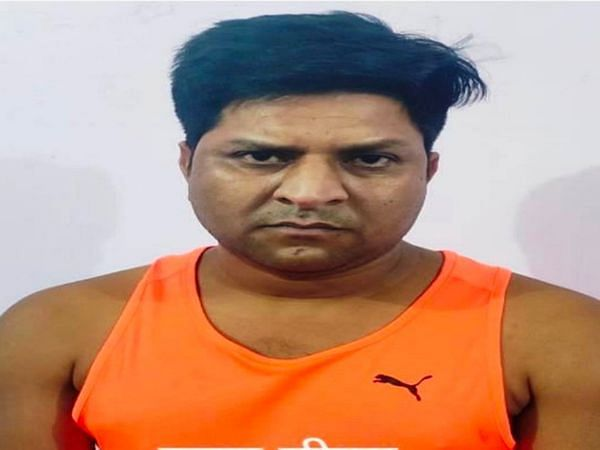 मालवीय नगर थाने का हिस्ट्रीशीटर व आदतन बदमाश रुपा मीणा चढा पुलिस के हत्थे