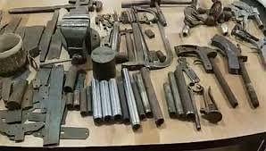 उप्र : 18 दिन में पुलिस ने 34 अवैध शस्त्र फैक्ट्रियों में मारा छापा, 1623 असलहा बरामद