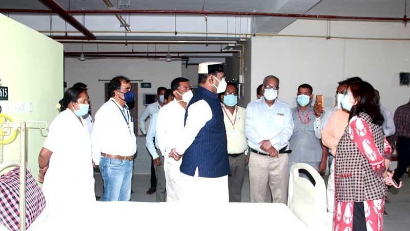 मंत्री सारंग ने किया हमीदिया अस्पताल का निरीक्षण, व्यवस्थाएं बेहतर बनाने दिए निर्देश