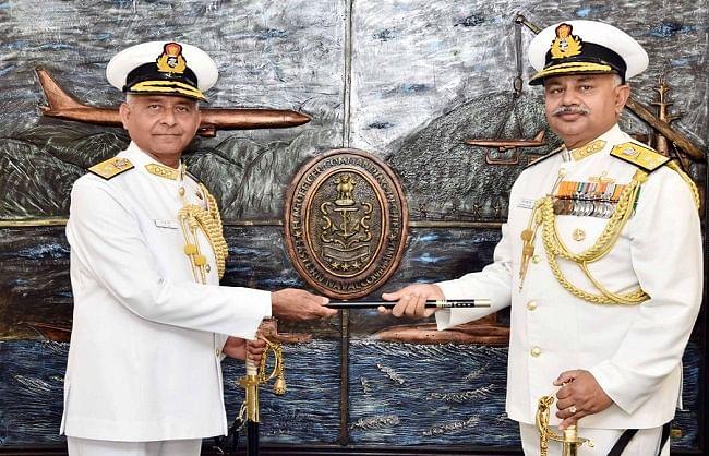 वाइस एडमिरल अजेंद्र बहादुर सिंह ने पूर्वी नौसेना की कमान संभाली
