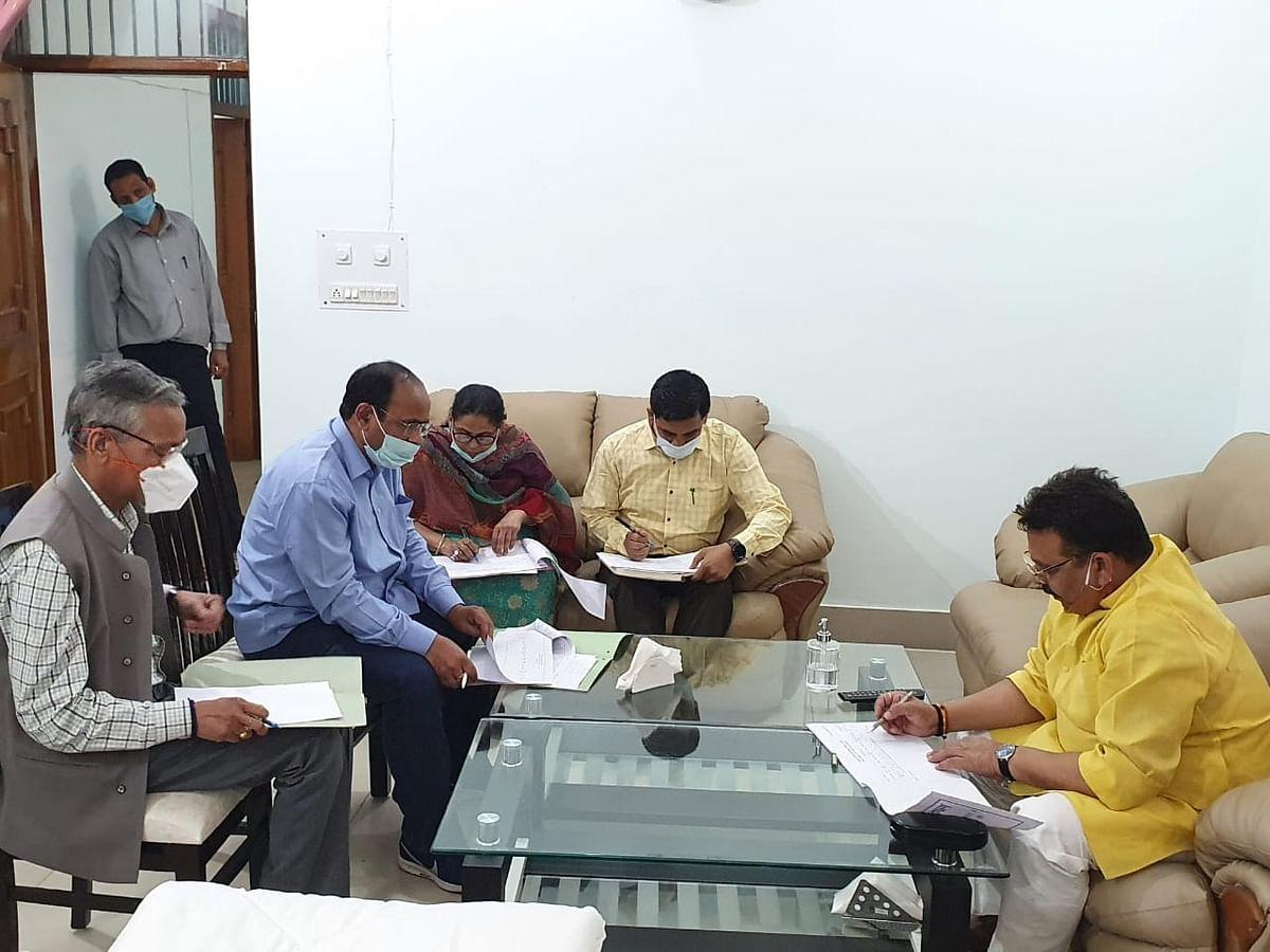 कन्नौज : स्टाम्प एवं पंजीयन मंत्री रवीन्द्र जायसवाल ने किया सदर रजिस्ट्री कार्यालय का निरीक्षण
