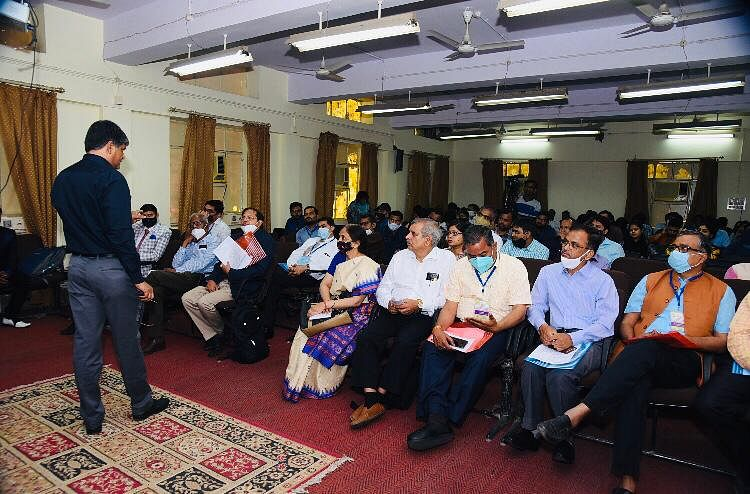 लखनऊ विवि में देश-विदेश के 170 से अधिक प्रतिभागियों ने साझा किये नवीनतम शोध