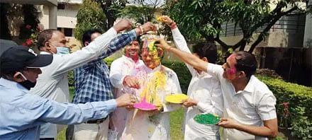 भाजपा प्रदेश महामंत्री सुरेश भट्ट के आवास पर हुआ होली मिलन कार्यक्रम