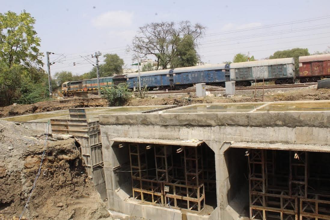 मिड इंडिया अंडर ब्रिज की अंतिम किश्त की राशि नपा ने रेल्वे को भेजी